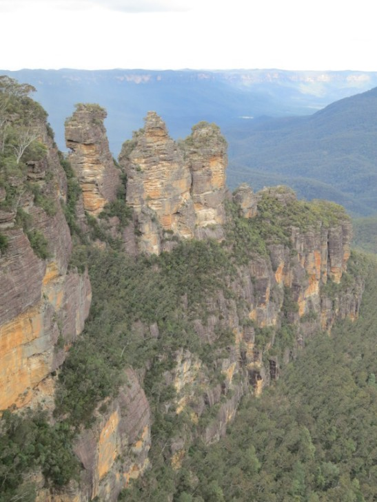 The Three Sisters rock formation at Echo Point in the Blue Mountains